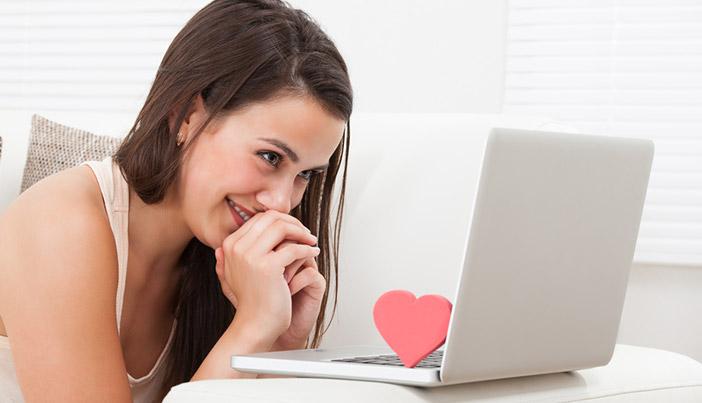 遠距離の女性に送るメッセージはどんな内容がオススメ?