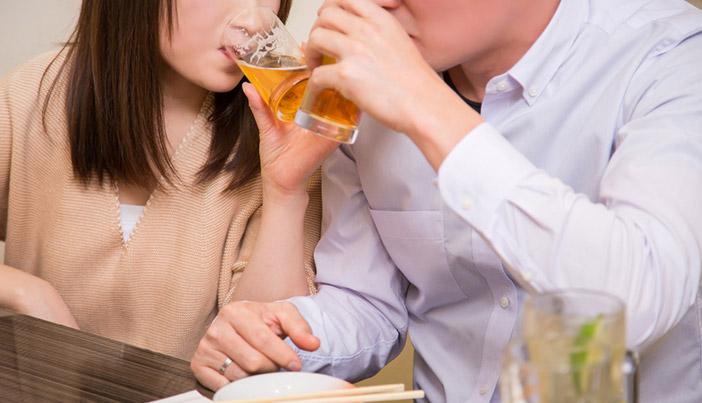 ペアーズの初デートでディナーに行くメリットと注意点